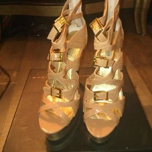 Steven Extreme Gold Buckle Shoes